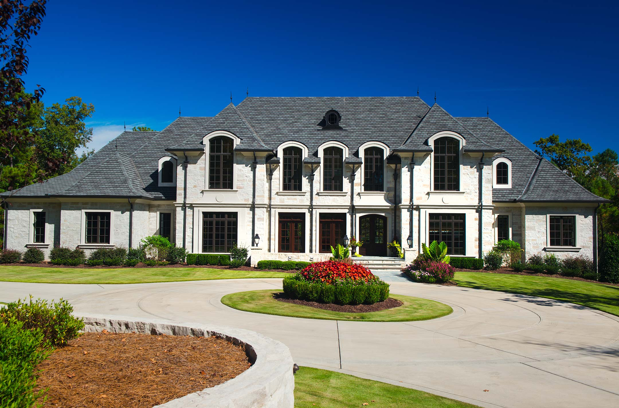 Home Luxury Lifestyle: Custom Luxury Homes By Loyd Builders